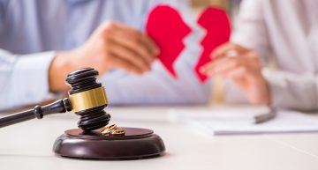 A Guide to Hiring the Right Divorce lawyer