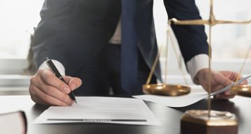 How to hire the standout personal injury attorney with exceptional reputation in the legal system?