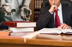 Make the Most of the Essential Qualities of a Criminal Lawyer to Win your Case