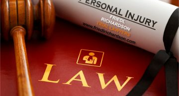 Hire a Personal Injury Lawyer to Deal with Your Accident Case