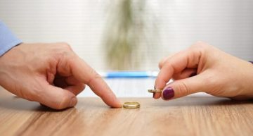 Why Is It Important to Get a Divorce Lawyer?