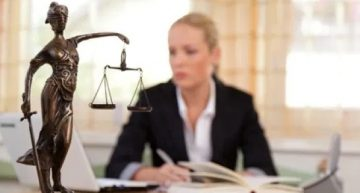 Tips for Hiring the Right Employment Lawyer