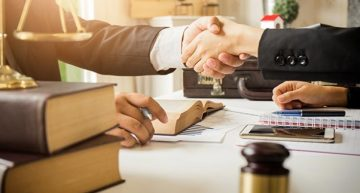 Why Look for an Experienced Lawyer Willing to Work on a Contingency Basis