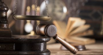 What are the Key Roles of an Ophthalmologist Expert Witness?