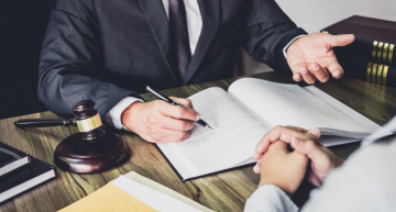 Hire a Personal Injury Lawyer to Deal with Your Claims